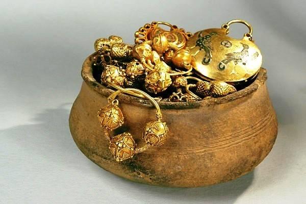 С древних времен человек поклонялся этому желтому металлу