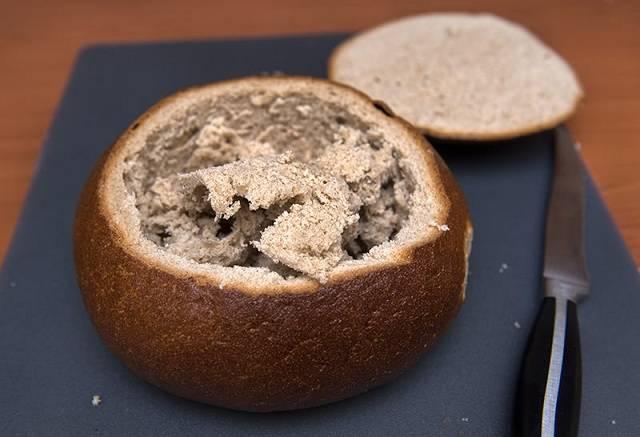 Украшение можно проверить с помощью мякиша хлеба