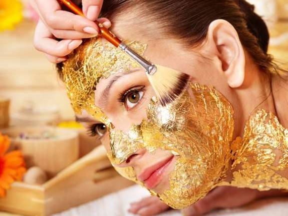 Последний писк моды - золотая маска для омоложения и питания кожи лица