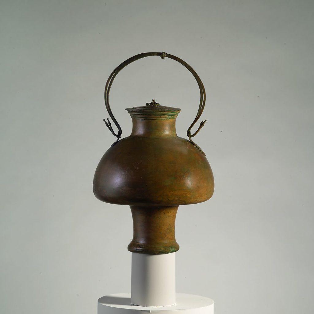 Псиктер бронзовый с крышкой (ваза для охлаждения вина)