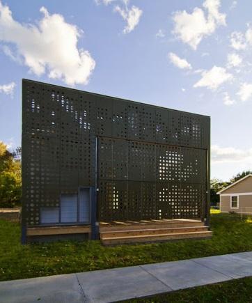 Перфорированные листы в архитектуре здания
