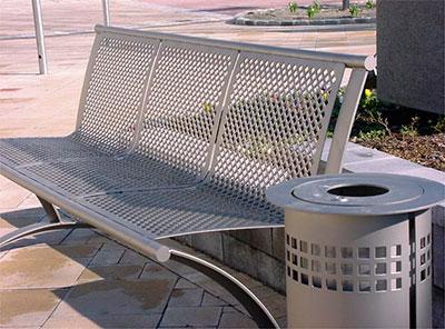Скамейка из перфорированного металла