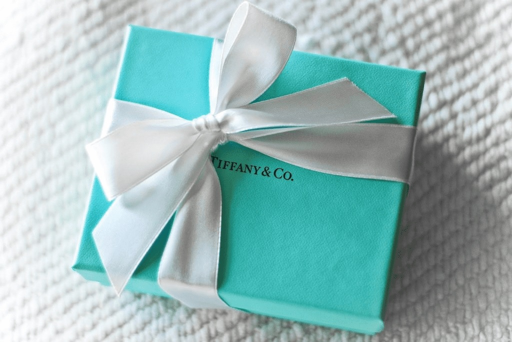 Синяя упаковочная коробка Tiffany's